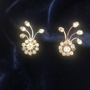 Jewelry - 1950's Vintage Rhinestone Earrings Flower Burst